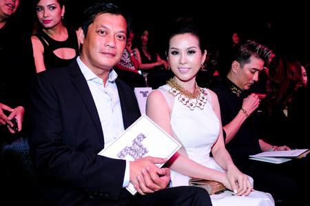 """Hoa hậu Thu Hoài lần đầu """"khoe"""" ông xã 1"""