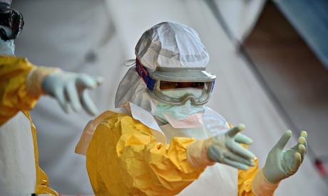 Theo số liệu mới nhất của Tổ chức Y tế thế giới (WHO) công bố ngày 29/11, số người nhiễm Ebola hiện vượt quá con số 16.000 và 6.928 người đã tử vong. Nguy cơ tử vong sẽ tăng lên nếu số ca nhiễm mới không có thuốc điều trị và nhận được sự chăm sóc phù hợp. Phần lớn số ca tử vong mới được ghi nhận tại Liberia.