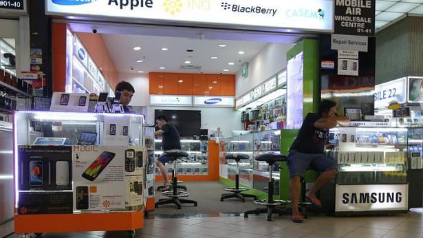 Cửa hàng Mobile Air. Ảnh: Straits Times