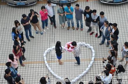 Man Buys 99 iPhones to Propose to His Girlfriend; She Says No