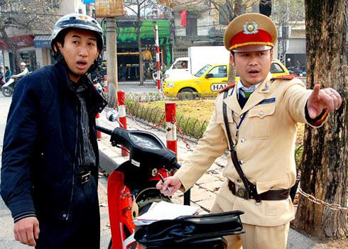 Lệnh cấm CSGT núp giật chìa khóa của lái xe được đông đảo người dân ủng hộ.