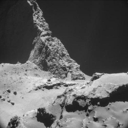 Bề mặt sao chổi 67P/Churyumov-Gerasimenko do Philae cung cấp. Ảnh: Reuters