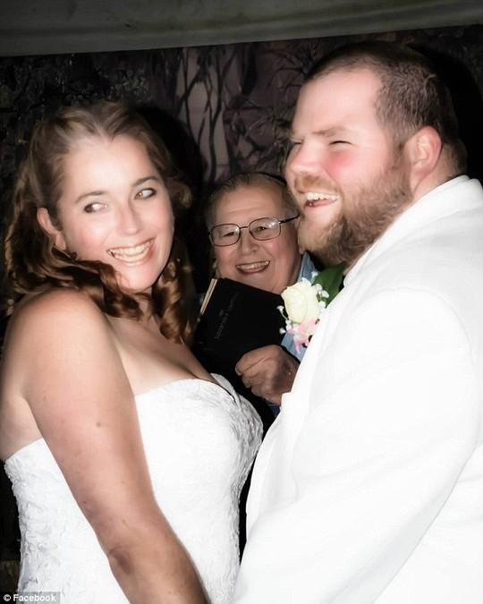 Đám cưới của cặp đôi không may nhuốm màu tang tóc ngay sau đó. Ảnh: Facebook