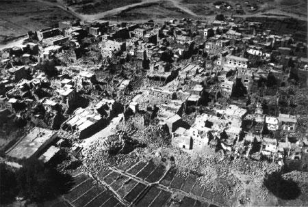 Thành phố cổ Ardabil bị tàn phá hoàn toàn. Ảnh: Top10ranks.com