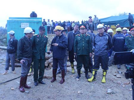 Bí thư Tỉnh ủy Nguyễn Xuân Tiến trực tiếp chỉ đạo phương án cứu hộ mới.