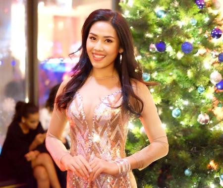 Nguyễn Thị Loan dự tiệc Giáng sinh cùng các hoa hậu thế giới