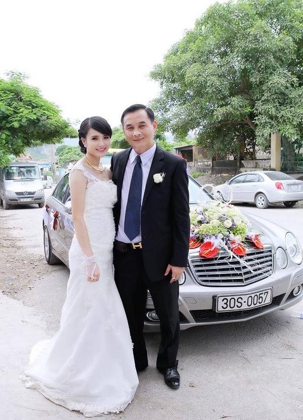 Khánh Chi bên chồng trong ngày cưới