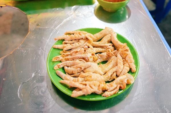 Ngày lạnh xuýt xoa ăn đồ nướng thơm lừng ở 468 phố Xã Đàn 12