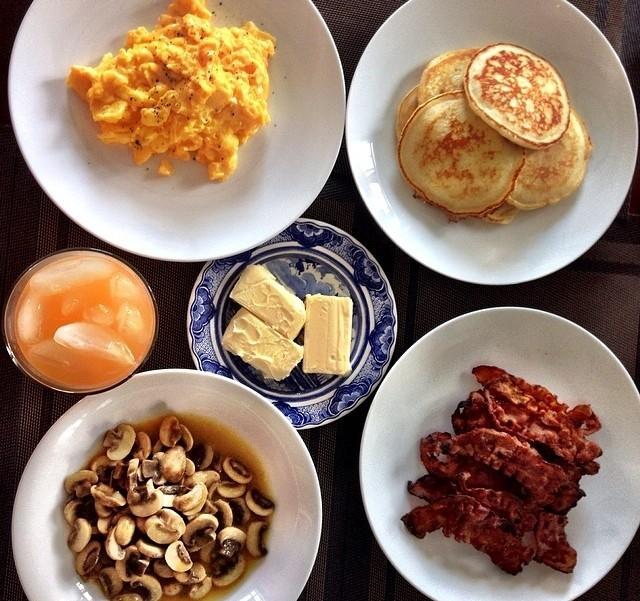 Bữa sáng được Louis Nguyễn khoe trên trang cá nhân