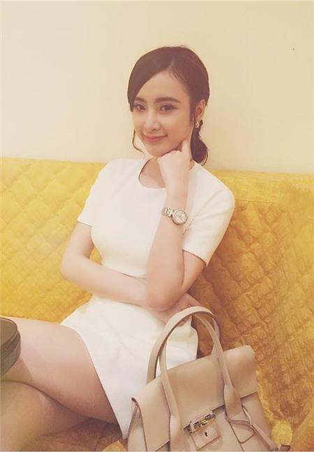 Angela Phương Trinh sắm đồng hồ gần 400 triệu