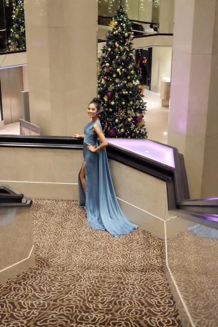 Hoa hậu Indonesia khoe sắc với váy dạ hội