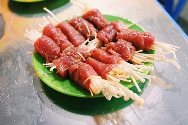 Ngày lạnh xuýt xoa ăn đồ nướng thơm lừng ở 468 phố Xã Đàn 7