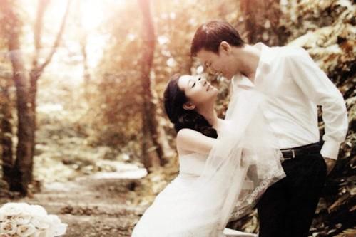 Ảnh cưới của ca sĩ Thanh Thanh Hiền với ca sĩ Chế Phong (ảnh nhân vật cung cấp).