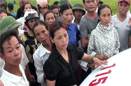 Người dân chặn xe không cho lực lượng 115 đưa nạn nhân là kẻ trộm chó đi cấp cứu