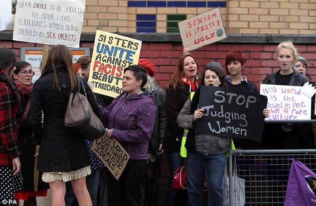 Phong trào phản đối cuộc thi ở nước Anh