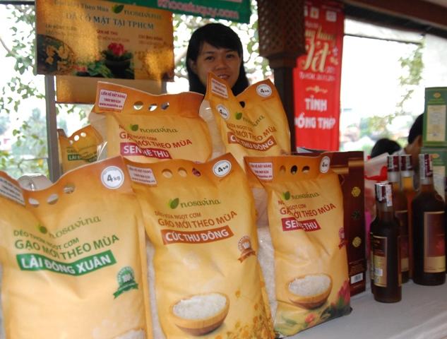 Hàng đặc sản xuất hiện trong mùa Tết sắp đến: Gạo ngon theo mùa