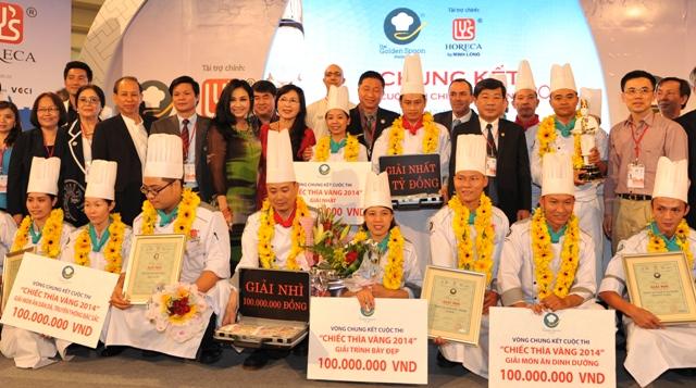 Các đội đoạt giải Chiếc thìa vàng năm 2014 với các giải thưởng giá trị