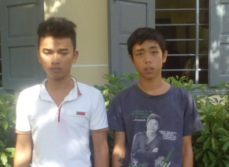 Hai tên cướp Đa, Tú chuyên cướp tài sản của du khách nước ngoài đi xe đạp bị bắt giữ.