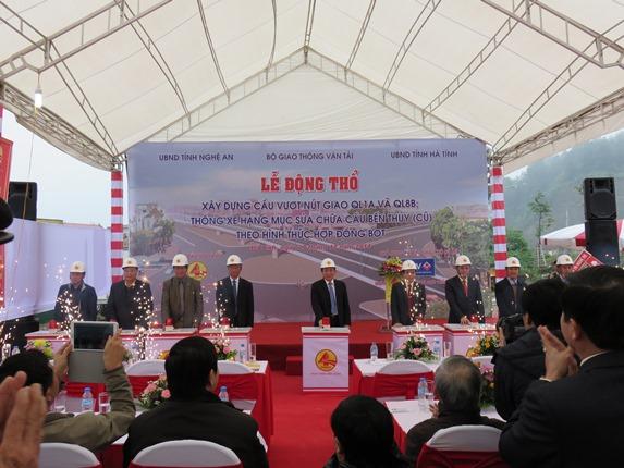 Lãnh đạo Bộ GTVT, tỉnh Nghệ An, Cienco4 phát lệnh lễ động thổ nút giao QL1A -QL8B và thông xe cầu Bến Thủy I
