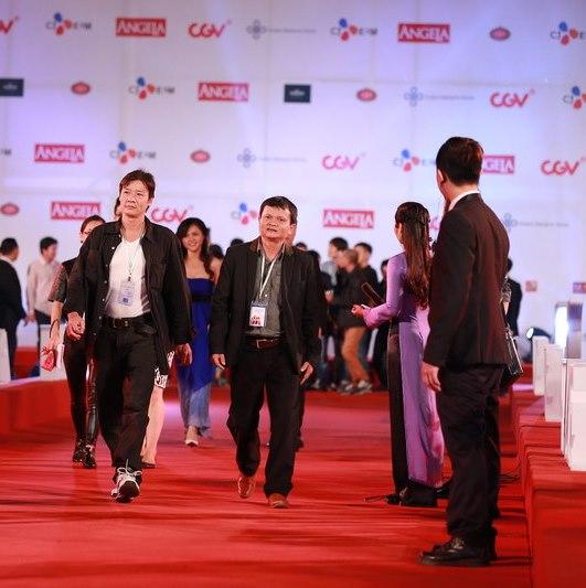 Diễn viên Võ Hoài Nam (trái) và đạo diễn Nguyễn Thanh Vân