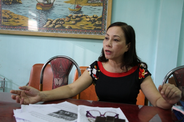 Cô Phan Bích Thủy, Phó hiệu trưởng trường tiểu học Điện Biên Phủ: Ai về làm hiệu trưởng cũng được, miễn sao người đó không phải là cô Vân. Ảnh Đức Hoàng