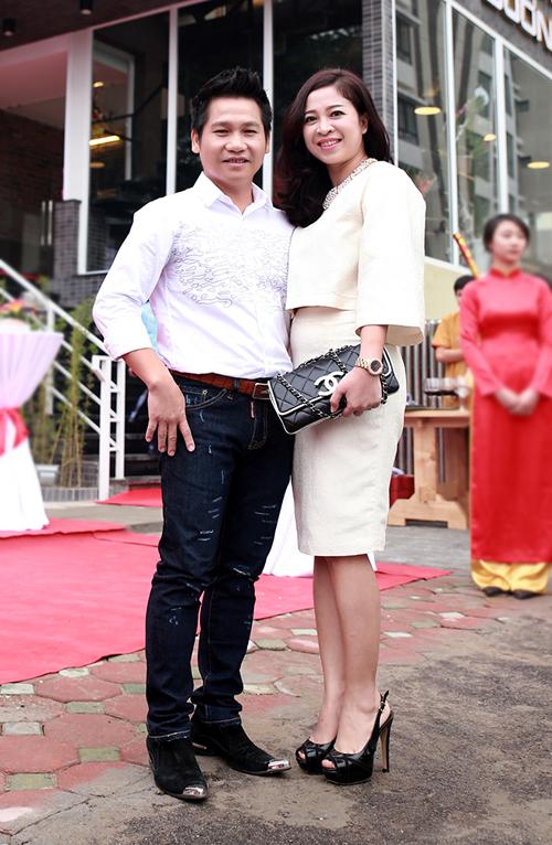Không chỉ đồng cảm trong nghệ thuật, đồng điệu trong cuộc sống, giờ đây, bà xã Trọng Tấn còn giúp chồng trong lĩnh vực kinh doanh