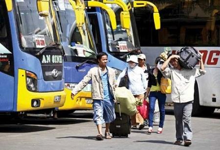 Giá nhiên liệu giảm nhưng giá cước vận tải vẫn cao khiến Bộ Tài chính phải vào cuộc.