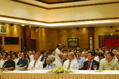 Các vị lãnh đạo Đảng, Nhà nước đến dự đại hội