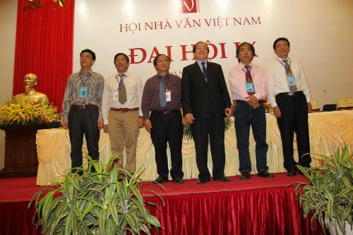 Ban Chấp hành Hội Nhà văn Việt Nam khóa IX