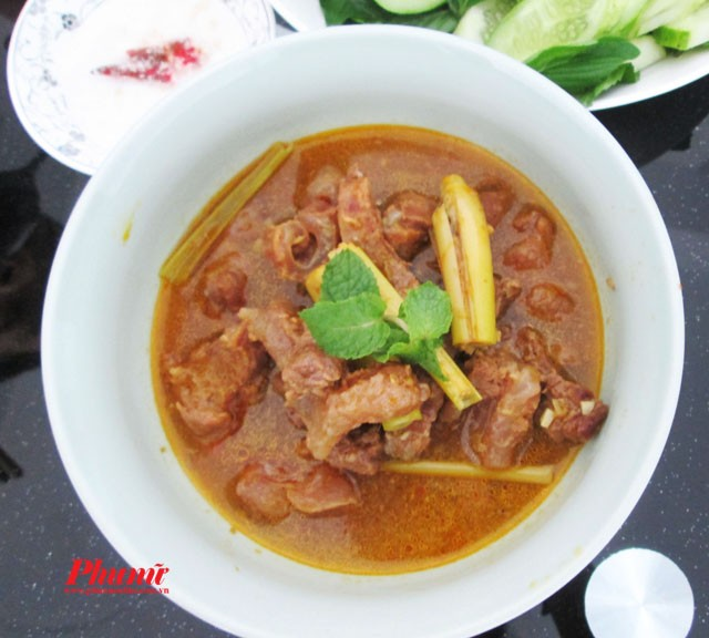 Món này chế biến rất đơn giản nhưng ngon miệng, bạn có thể làm cho bữa cơm gia đình hay đãi khách đều được.