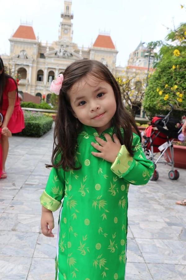 1392796231margit 10 6f30b Cô bé 3 tuổi lai Việt Nam   Hungary xinh yêu như thiên thần