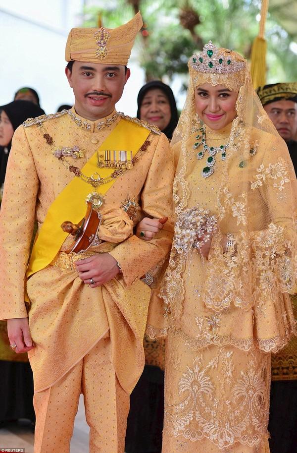 Lễ cưới được diễn ra trong khoảng thời gian 11 ngày