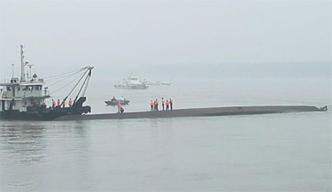 tàu TQ, chìm