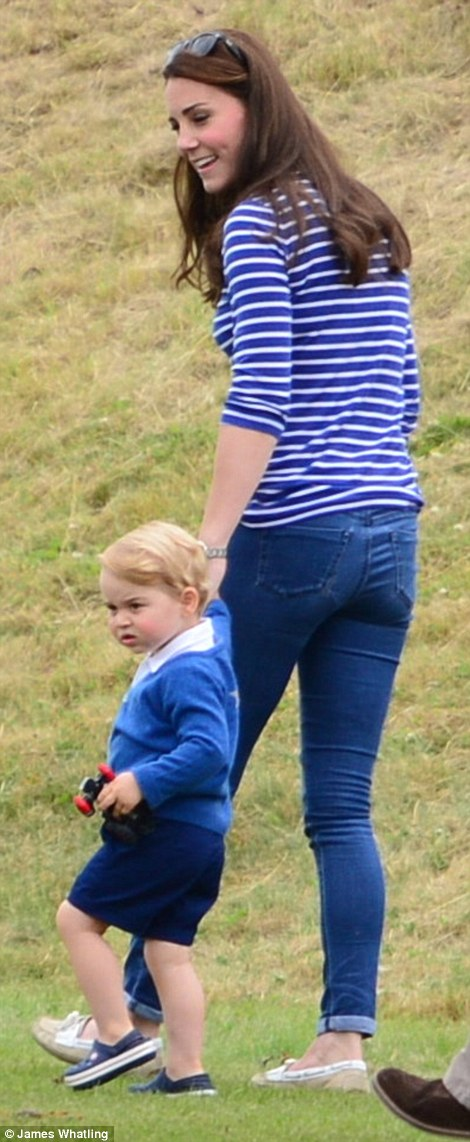 And its been a mere six weeks since Kate, 33, gave birth to her second child, Princess Charlotte, but already she appears to have sprung back into shape as she strolled round in a pair of skinny jeans and a downstated breteon top