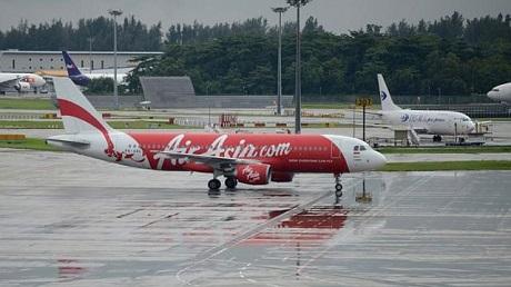 Cơ trưởng chuyến bay QZ8501 có thể đã cất cánh mà không nhận được báo cáo thời tiết trước đó