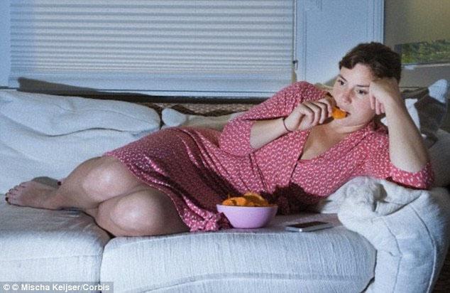 ăn khuya tăng nguy cơ ung thư vú