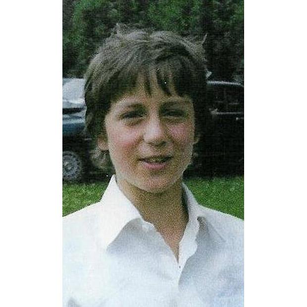 Thủ tướng Anh David William Donald Cameron (sinh ngày 9/10/966) là nhà lãnh đạo Đảng Bảo thủ và Thủ tướng Liên hiệp Vương quốc Anh và Bắc Ireland. Trong ảnh là thủ tướng Anh khi còn là một cậu học sinh nhỏ tuổi