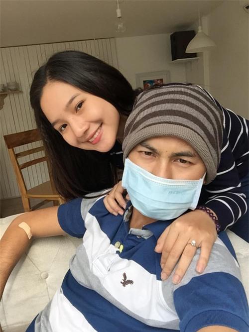 Khi đưa anh vào viện, Kiều Oanh luôn hy vọng sẽ có ngày đón chồng về nhà trong hạnh phúc.