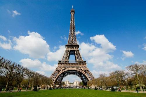 eiffel-tower-1-2753-1440735010.jpg