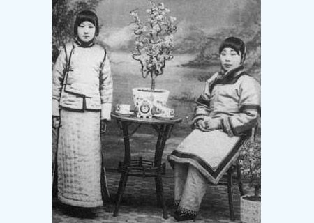Ghe ron quai chieu tranh thai cua ky nu co dai-Hinh-9