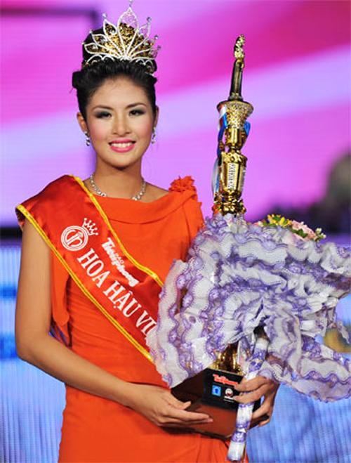 Hoa hậu Ngọc Hân đăng quang năm 2010