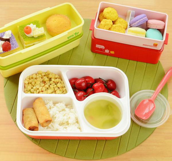 Các loại hộp nhựa hiện nay rất phổ biến vì sự tiện dụng của nó. Hộp nhựa giúp mùi thức ăn không thoát ra ngoài, gọn nhẹ, nên được nhiều chị em nội trợ ưa chuộng để lưu trữ thực phẩm.