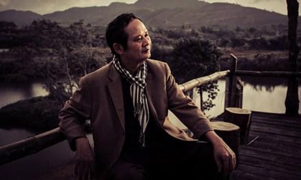 Lớn lên từ trong nghèo khó nhưng tâm hồn nhạc sĩ An Thuyên luôn được sưởi ấm bằng những làn điệu dân ca quê nhà.
