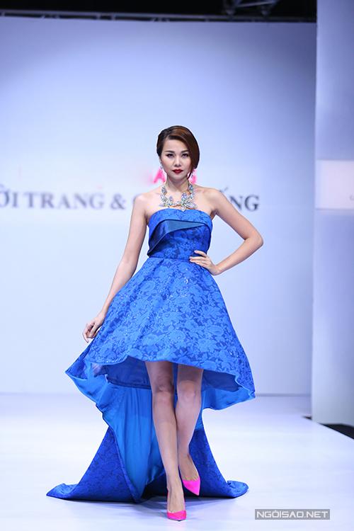 Chương trình Thời trang và Cuộc sống được tổ chức ngày 21/4 tại TP Hồ Chí Minh đã giới thiệu bộ sưu tập mới nhất của các nhà thi