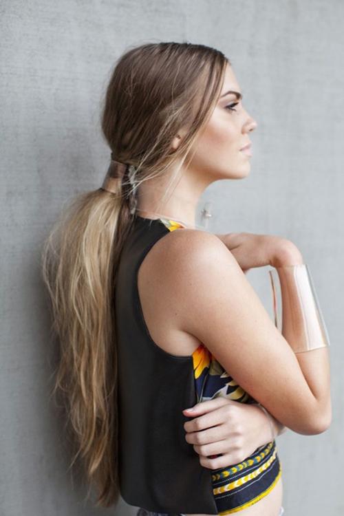 messy-low-ponytail-5535-1429606109.jpg