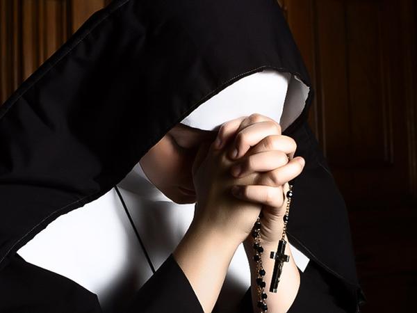 nuns-7045-1433995772.jpg