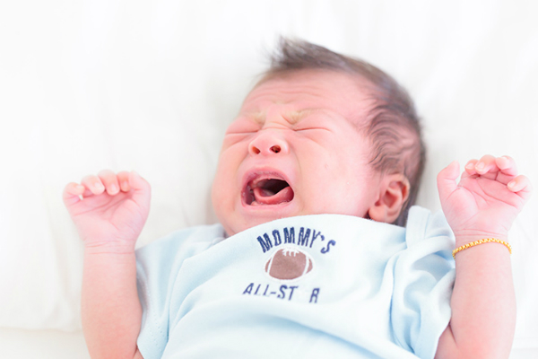 Signs-Of-Baby-Hunger-Cues-5935-142961175