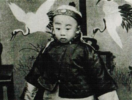 Số phận thảm thương của ông hoàng đoản mệnh, chết yểu năm 2 tuổi-1
