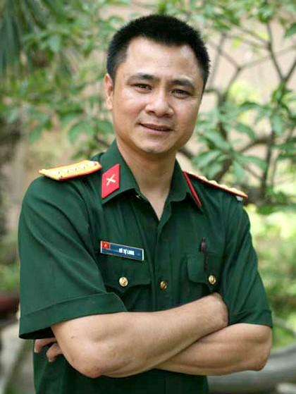 Nghệ sĩ Tự Long.