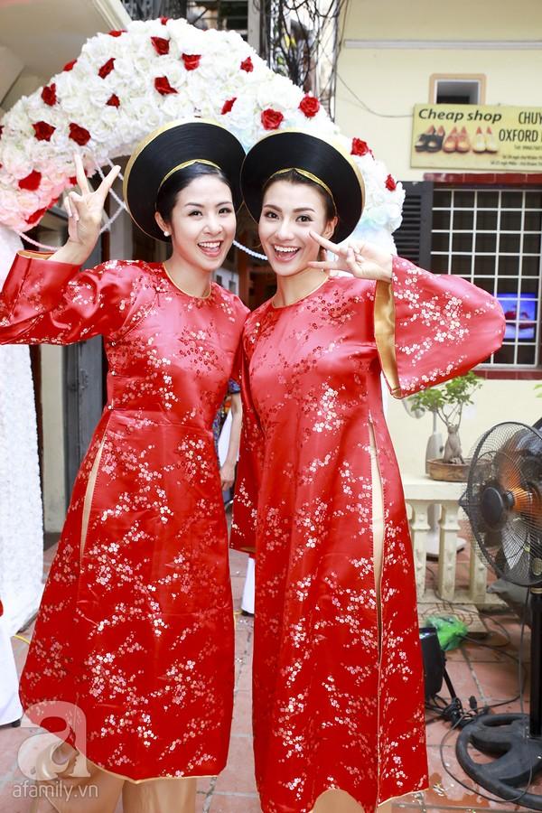 Ngọc Hân, Hồng Quế xinh tươi bê tráp cho Hoa hậu Thu Hà 8